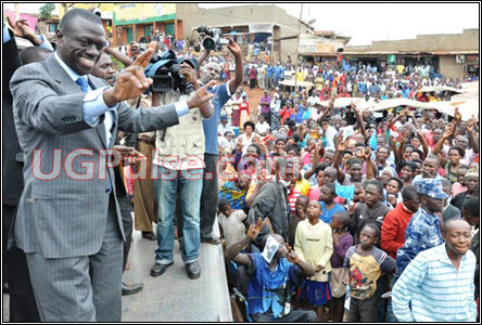 Besigye campaigns